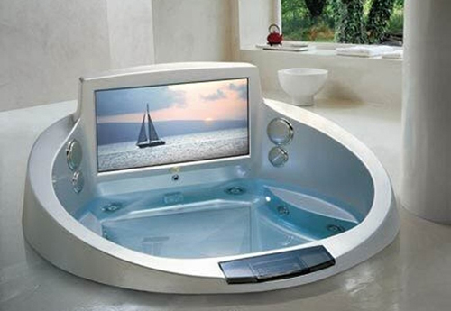 The-La-Scala-Jacuzzi-Tub-with-42-Inch-Television