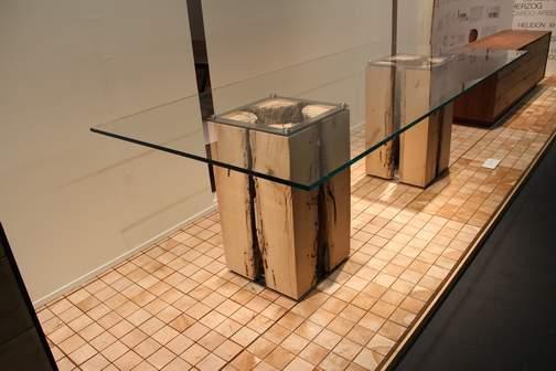 Verwitterter Holztisch von Riva